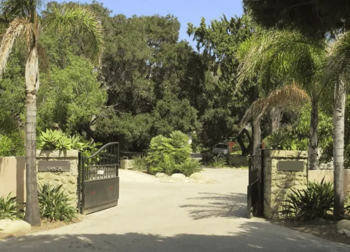 Driveway Entrance with Steel Gate